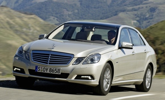 Mercedes adds efficient four cylinders to E-Class, 45 mpg (U.S.) diesel thumbnail