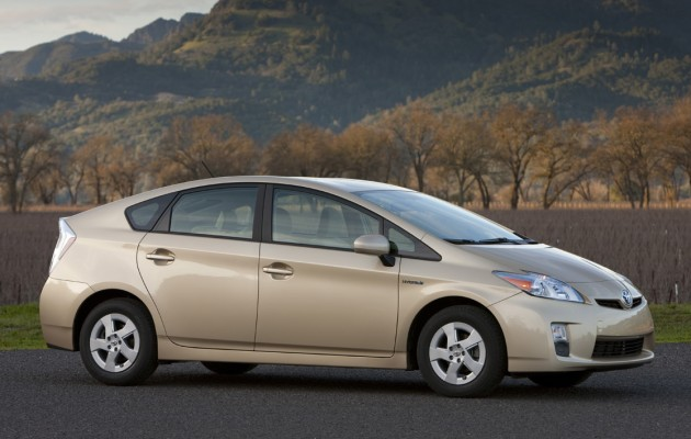 REPORT: Some consumers see price gouging on 2010 Prius thumbnail