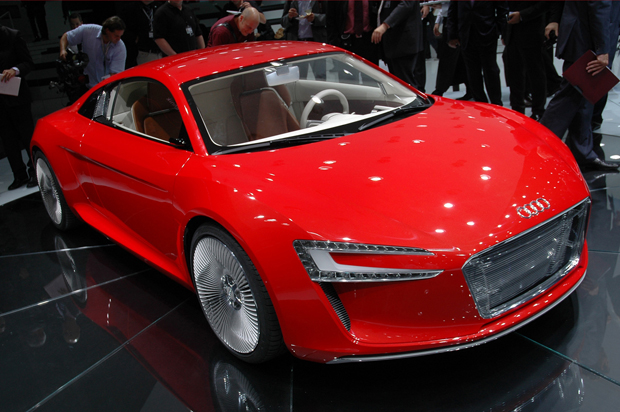 Audi e-tron features