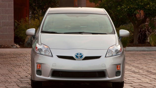 Without Cash for Clunkers in September, Prius sales hold steady thumbnail