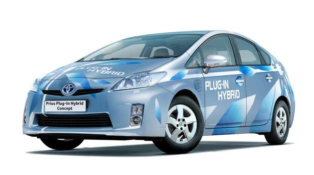 Toyota officially launches plug-in Prius program, retail sales in 2011 thumbnail