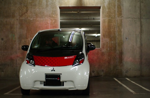 LA 2009: Mitsubishi will bring an EV to U.S. in 2011, but it might not be the i-MiEV thumbnail