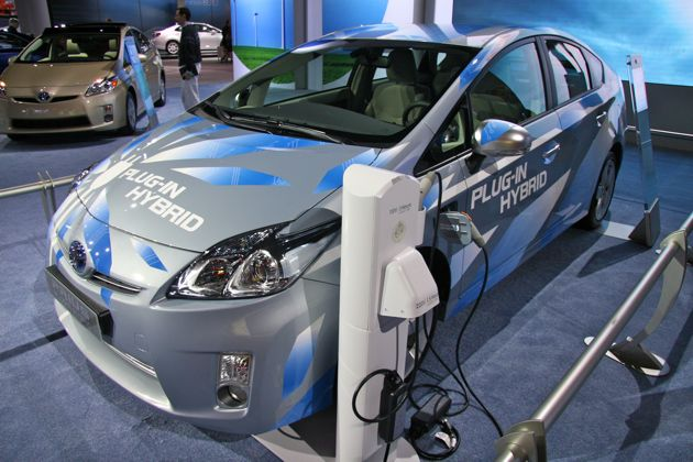 LA 2009: The plug-in Prius makes its North American debut thumbnail