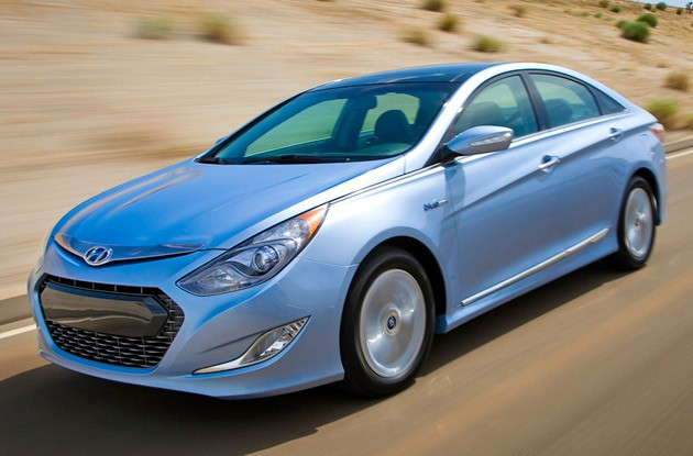 New York 2010: Hyundai Sonata Hybrid gets unique look and 37/39 MPG rating [w/video] thumbnail