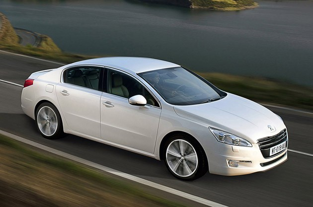 Peugeot previews new 508, HYbrid4 version coming soon after launch thumbnail
