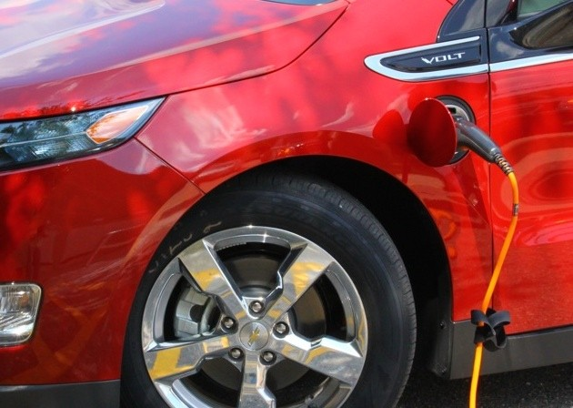 EV sellers will have to teach drivers to treat their car like their phone, plug it in! thumbnail