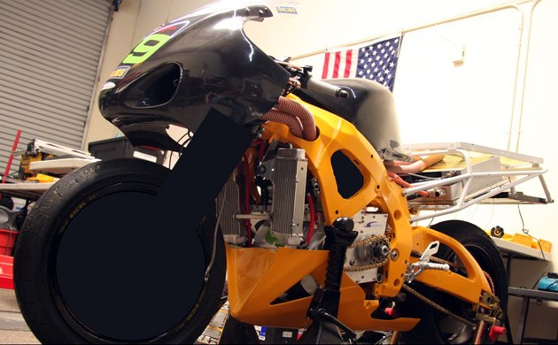 Chip Yates opens electric superbike kimono, will take it completely off in October thumbnail