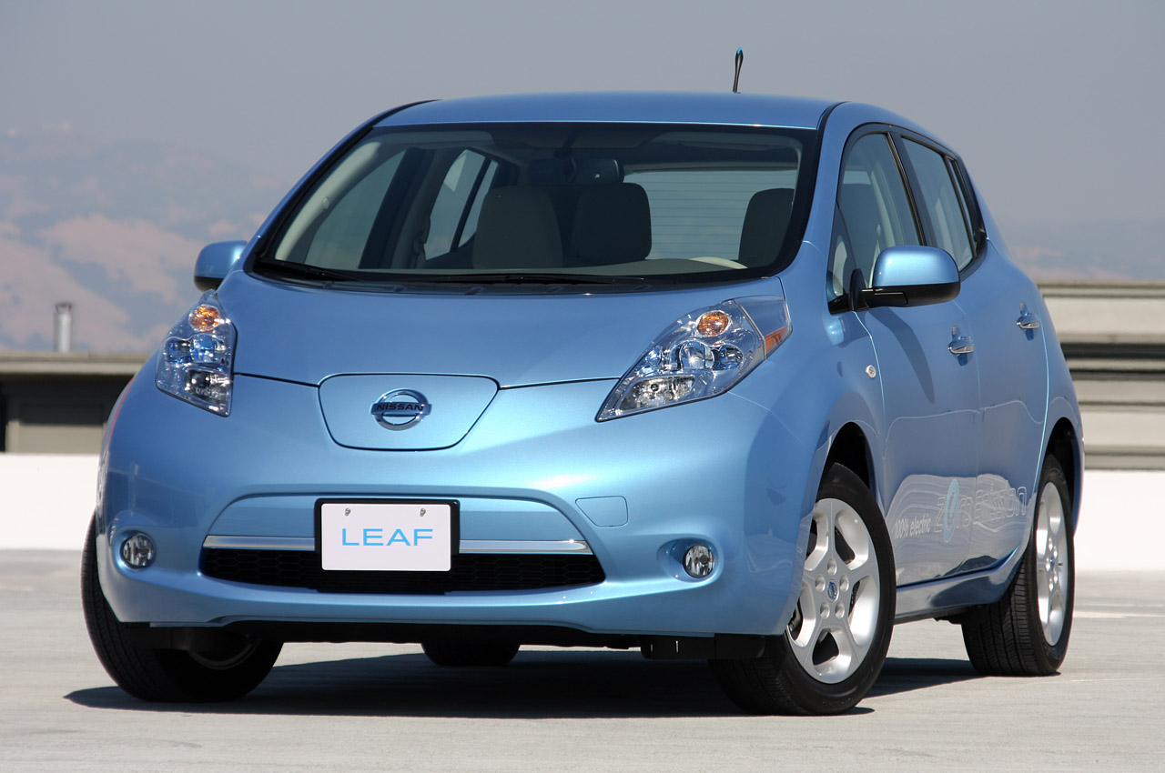 "Nissan clarifies Leaf's 6.6 kW onboard charger upgrade: just ""studying"" for now thumbnail"