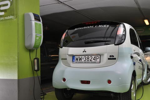 E+ rolls out plug-in vehicle mobility infrastructure in Poland thumbnail