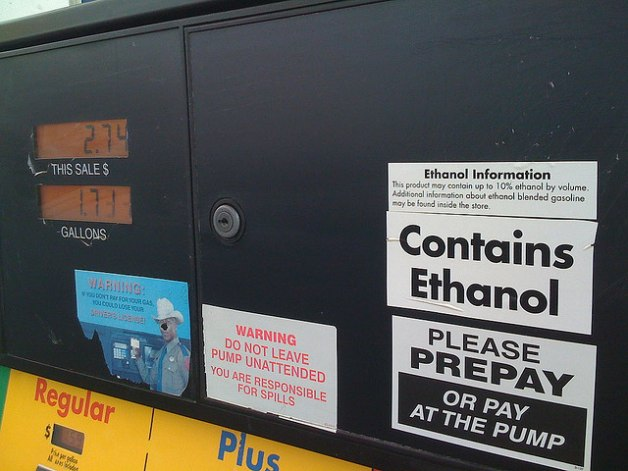 Oil companies pay $6.8 million in fines for not using cellulosic biofuels that don't exist thumbnail
