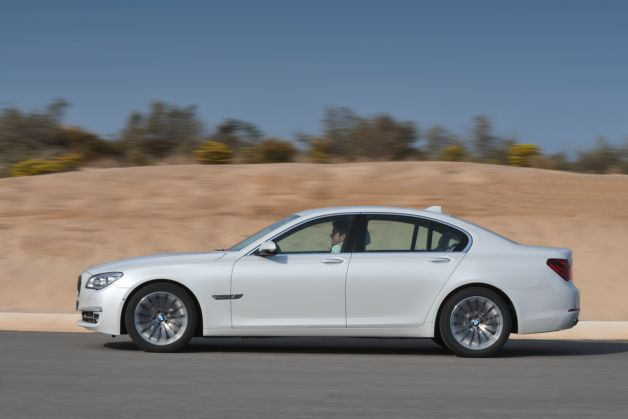 BMW's 2013 ActiveHybrid 7 improves fuel economy by some mysterious amount thumbnail