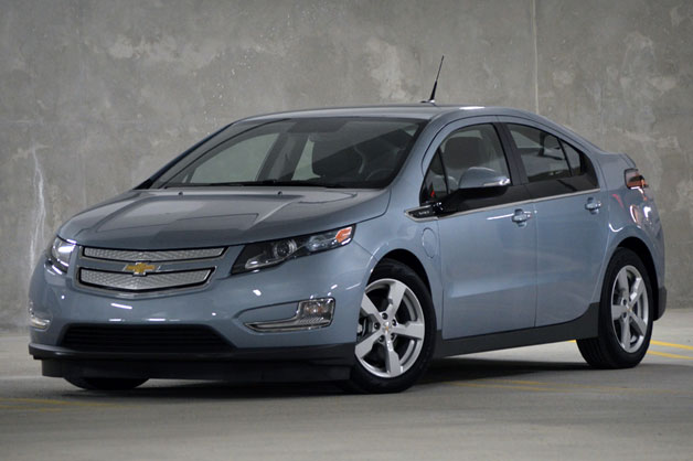 "Report: GM's Reuss: Next-gen Chevy Volt will be ""thousands of dollars"" cheaper thumbnail"