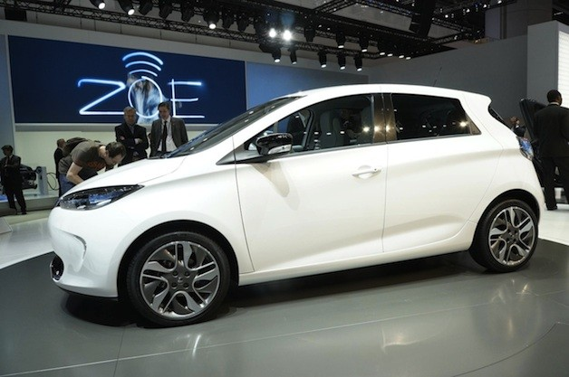Official: French government orders 2,100 Renault Fluence, Zoe electric vehicles thumbnail