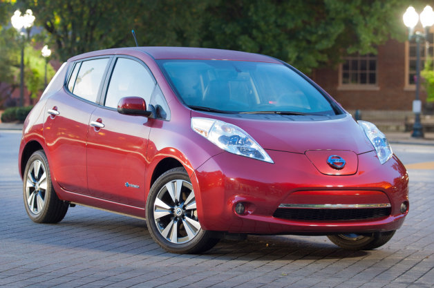 Official: Nissan sells 100,000 Leaf EVs worldwide thumbnail