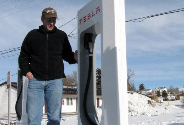 Exclusive: Superchargers power Tesla Model S EVs for over 8M miles thumbnail