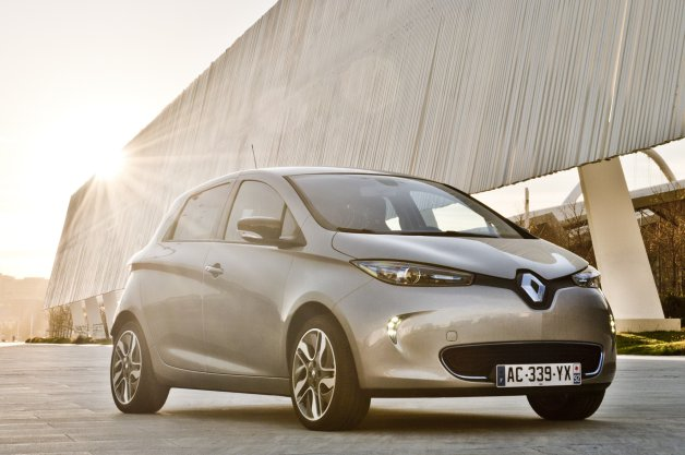 Official: Renault ZOE revs up for big sales in Norway thumbnail