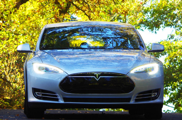 Read This: Beating Tesla's coast-to-coast time in a Model S thumbnail