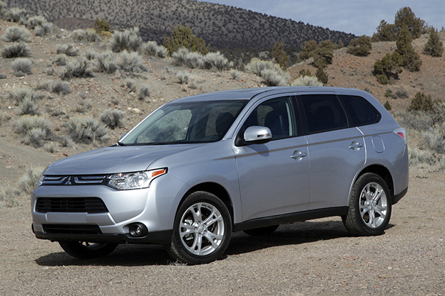 Mitsubishi says 2016 Outlander PHEV for US 'will be completely different' thumbnail