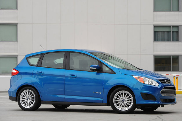 Report: New Ford dedicated hybrid due in 2018, will it fare better than C-Max? thumbnail