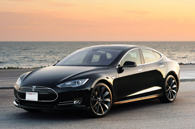 Official: Tesla lowers Model S lease price, adds 3-month 'happiness guarantee' thumbnail