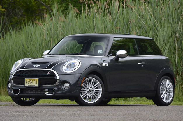 EPA: Four 2014 Mini Cooper models need to drop mpg numbers thumbnail