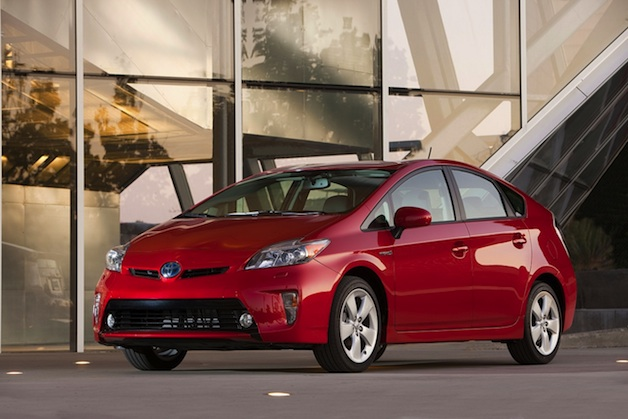Official: Toyota has now sold over 7 million hybrids thumbnail