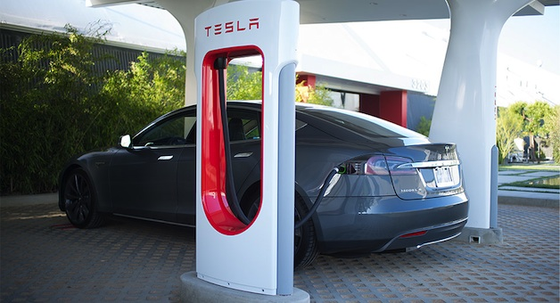 Report: Fast charging your EV might not be as bad as predicted thumbnail