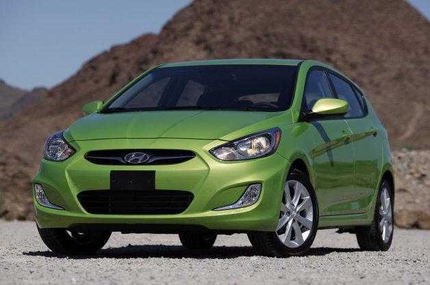 Official: Hyundai-Kia fuel-economy errors trigger $300M in federal penalties [w/video] thumbnail