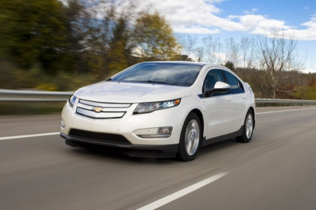 "Recharge Wrap-up: Chevy Volt named KBB ""Best Buy,"" slow BMW i3 sales in Germany thumbnail"