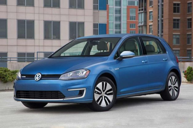 Report: VW invests in QuantumScape for potentially fireproof, long-range EV batteries thumbnail