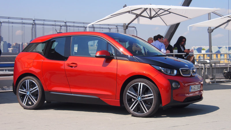 BMW offering glitch fix for i3 with range extender thumbnail