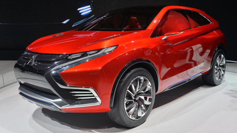 Mitsubishi Concept XR-PHEV II points the way forward with its angular look [w/video] thumbnail