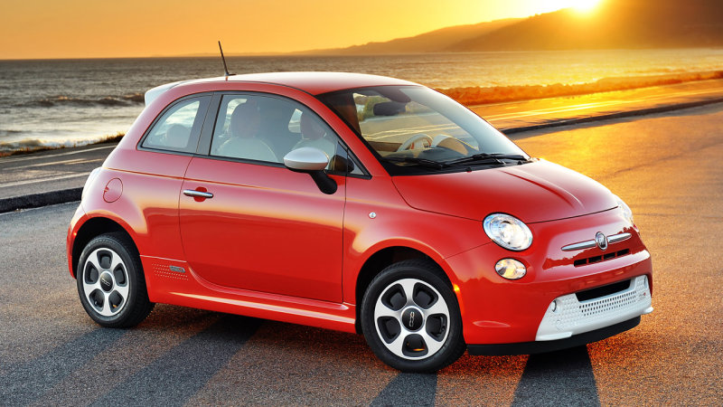 5,600 Fiat 500e EVs recalled for buggy software thumbnail