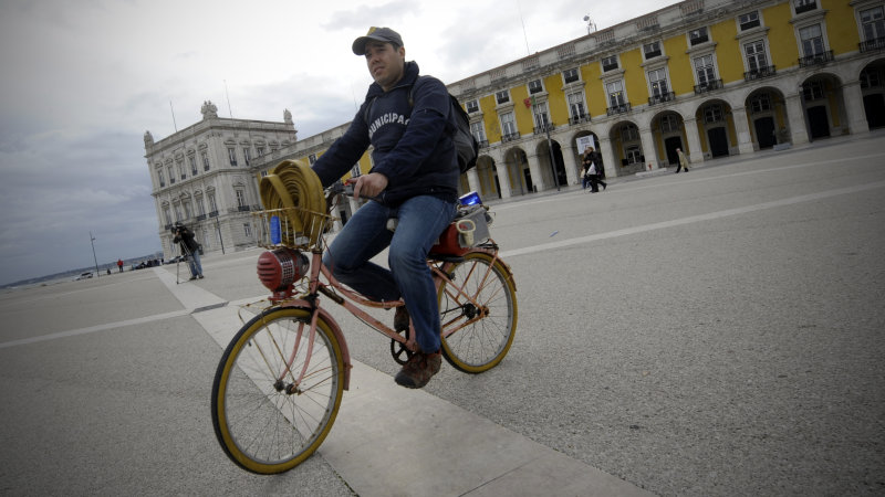 Portuguese government suggests employees start pedaling thumbnail