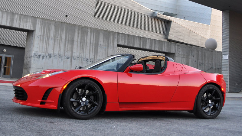 Next Tesla Roadster coming in 4 years, will go plaid thumbnail