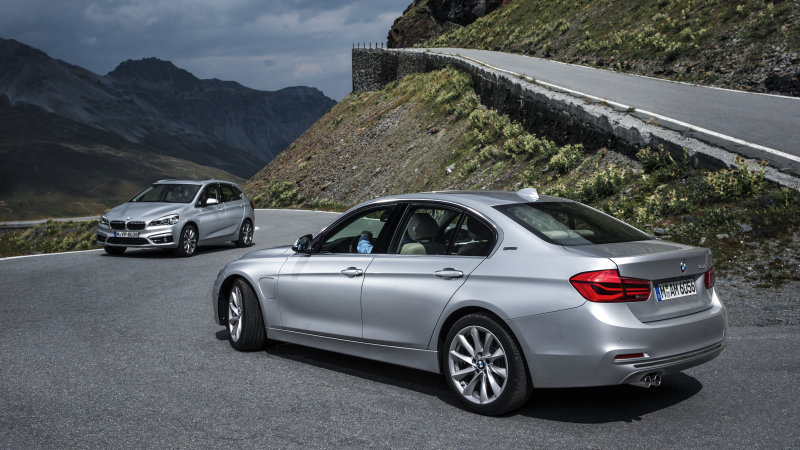 BMW 225xe and 330e get official ahead of Frankfurt thumbnail