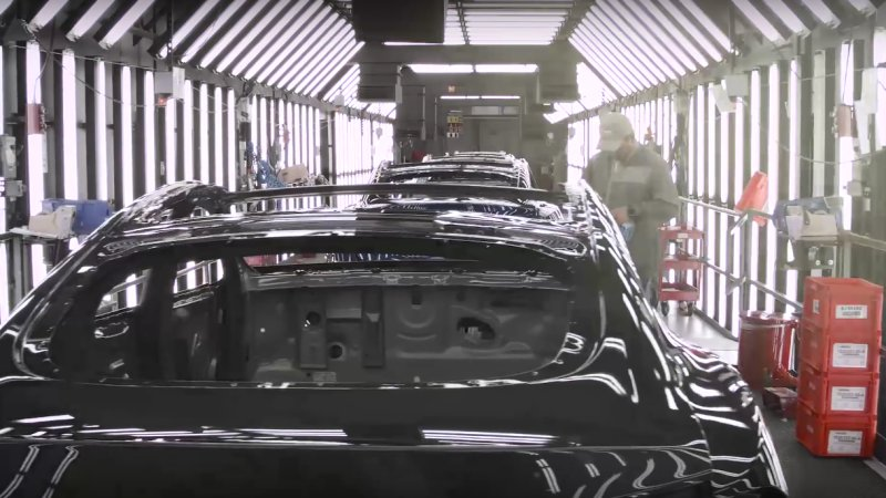 Recharge Wrap-up: Tesla factory tour video, Obama rejects Keystone XL thumbnail