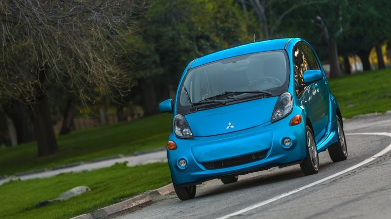 i-MiEV doesn't survive Mitsubishi's updated EV plan thumbnail