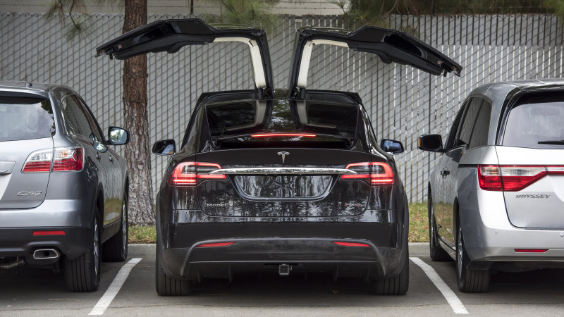 Tesla is finally ramping up Model X production thumbnail