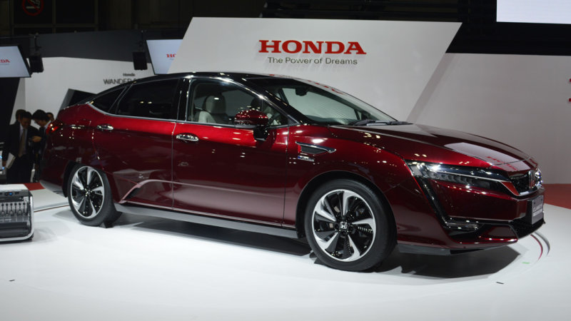 Honda Clarity proves hydrogen future always costs $500/month thumbnail