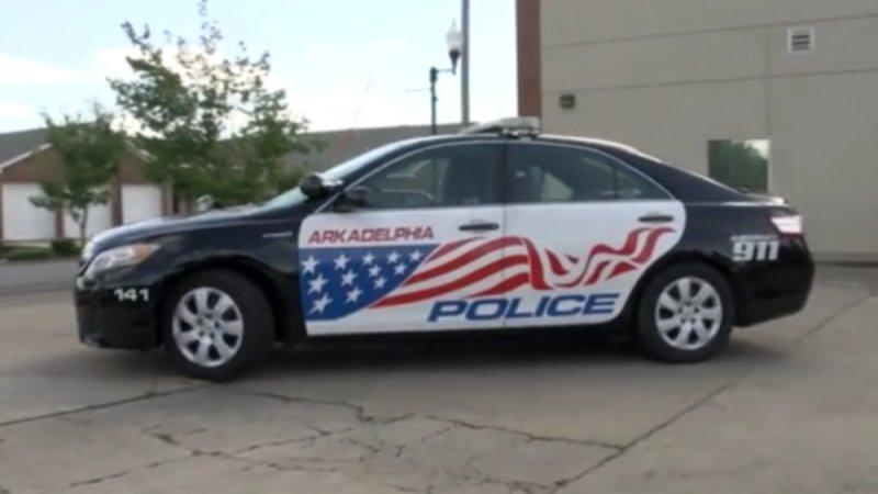 Police department uses hybrids to sneak up on criminals, save cash thumbnail