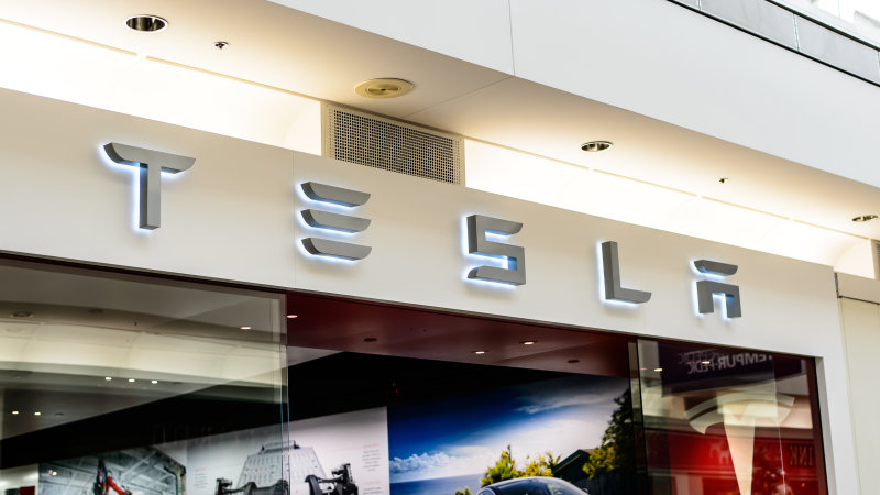 Tesla fights back against anti-store bill 'authored and pushed' by GM thumbnail