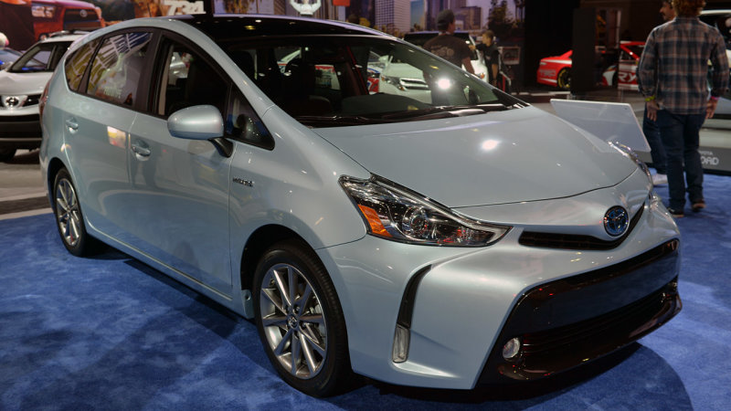 Toyota hints at shrinking Prius family thumbnail