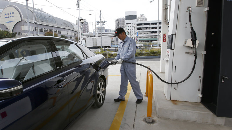 Japan wants to boost fuel-cell numbers 100x by 2020 thumbnail