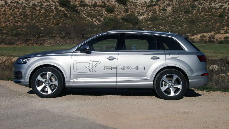 Does faster charging make you want an Audi Q7 PHEV? thumbnail
