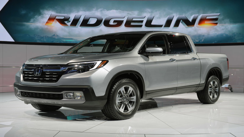 2017 Honda Ridgeline boosts fuel economy by 5 mpg thumbnail