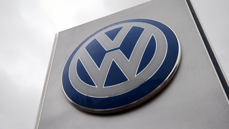 Despite scandal, Volkswagen is the world's top-selling carmaker thumbnail