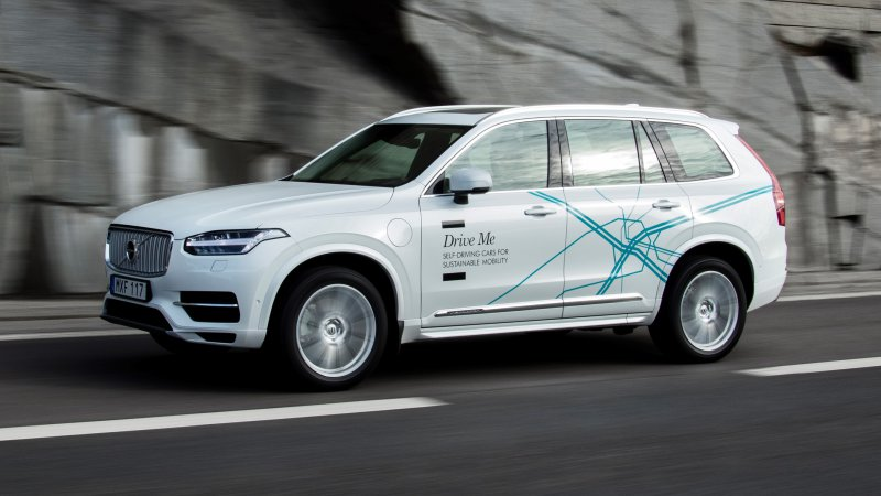 Volvo hands over 100 self-driving cars to London families thumbnail