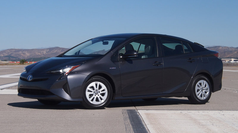 Consumer Reports: 2016 Prius is most efficient hybrid ever thumbnail