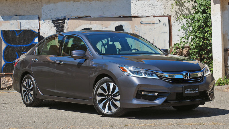 2017 Honda Accord Hybrid First Drive thumbnail
